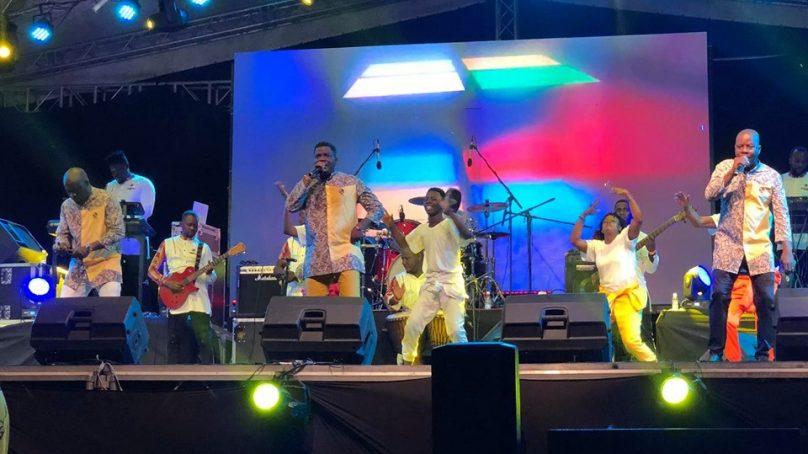 Concert:25ansde carrière, les Garagistes font le plein du palais