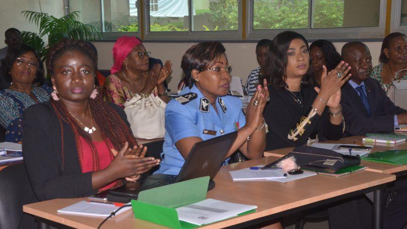 Stratégie Nationale de l'autonomisation de la femme/ Des acteurs clés en réflexion au cours d'un atelier.