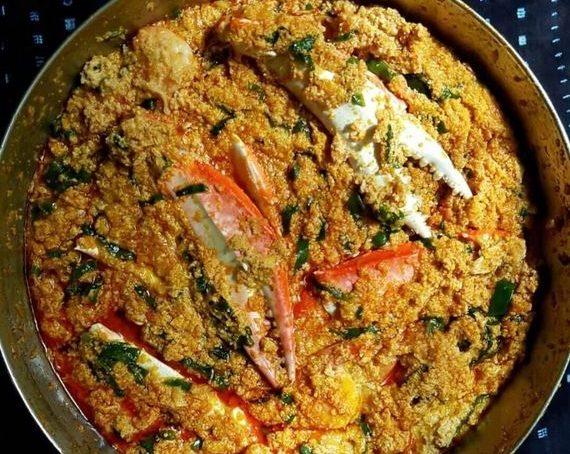 Recette rapide de sauce EGUSI aux crabes etaux  crevettes