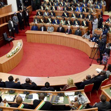 Élections législatives 2021 : l'espoir d'une prise de responsabilité des députés