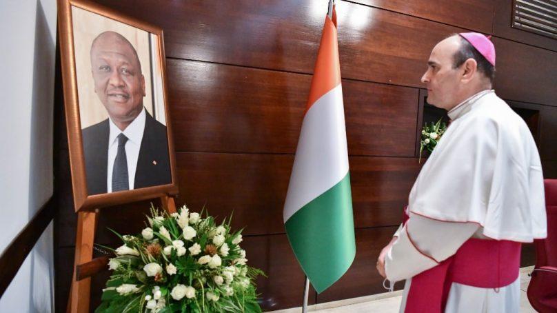 Les ambassadeurs et représentants d'organisations internationales saluent la mémoire d'Hamed BAKAYOKO