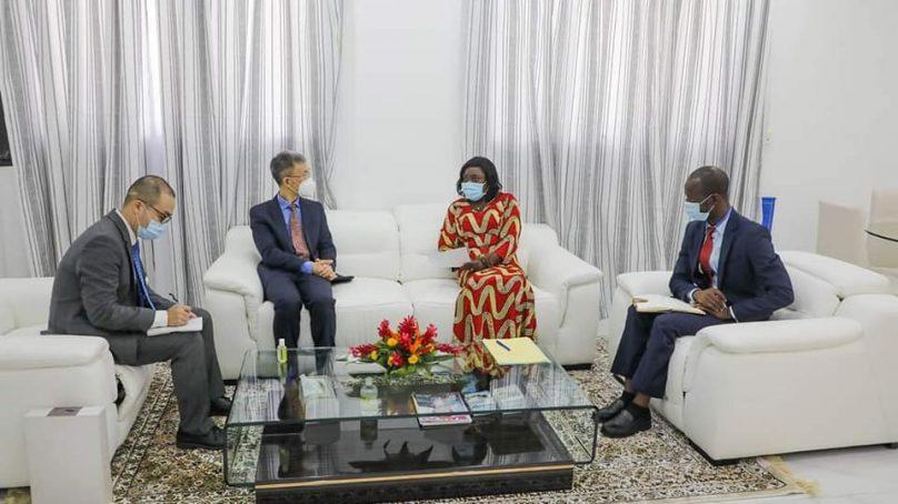 Enseignement numérique :l'Ambassadeur de Chine chez la Ministre Marietou Koné.