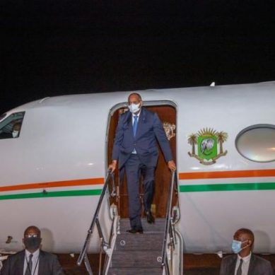 Le Premier Ministre Patrick Achi de retour à Abidjan, après un sejour médical en France