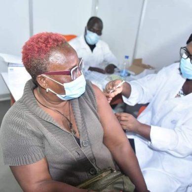 Covid-19 : la campagne de vaccination avec le vaccin Pfizer lancée au profit de 50 000 personnes